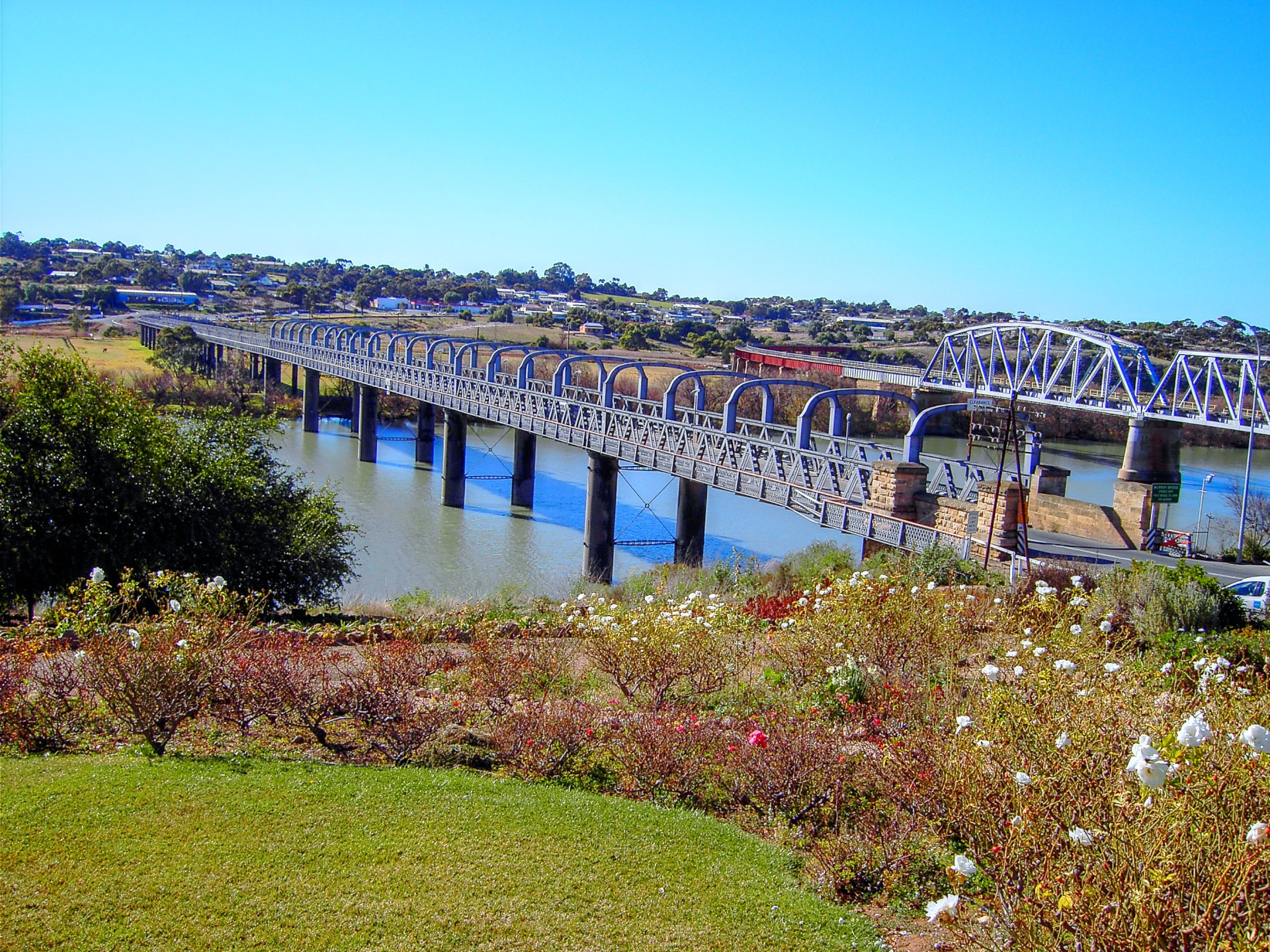 Murray Bridge Image 1